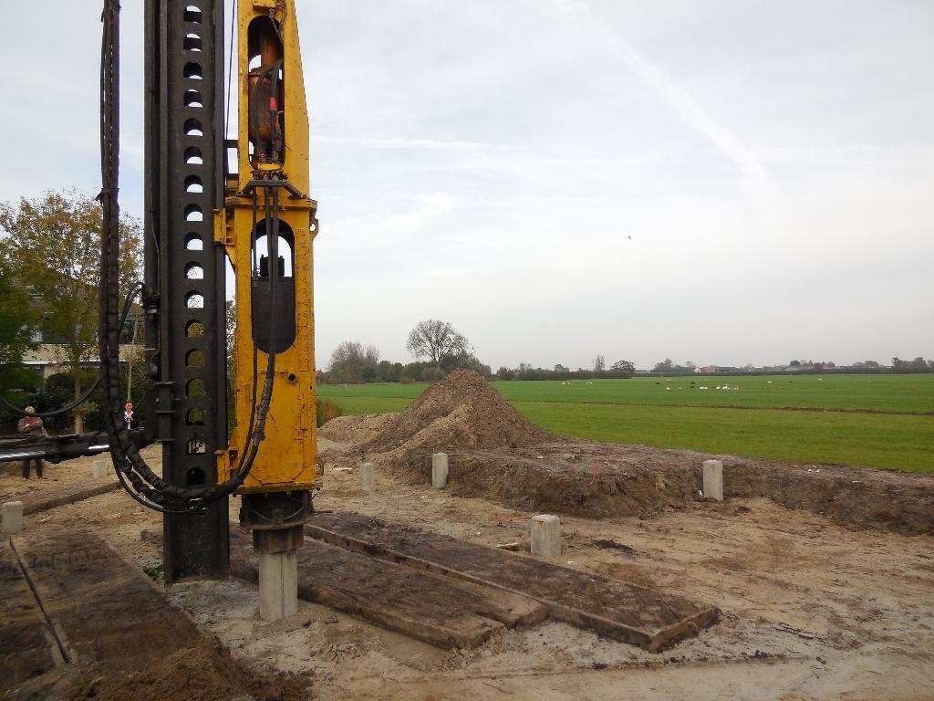 Rsm eerste paal miep gieshof - Een stuk grond ontwikkelen ...